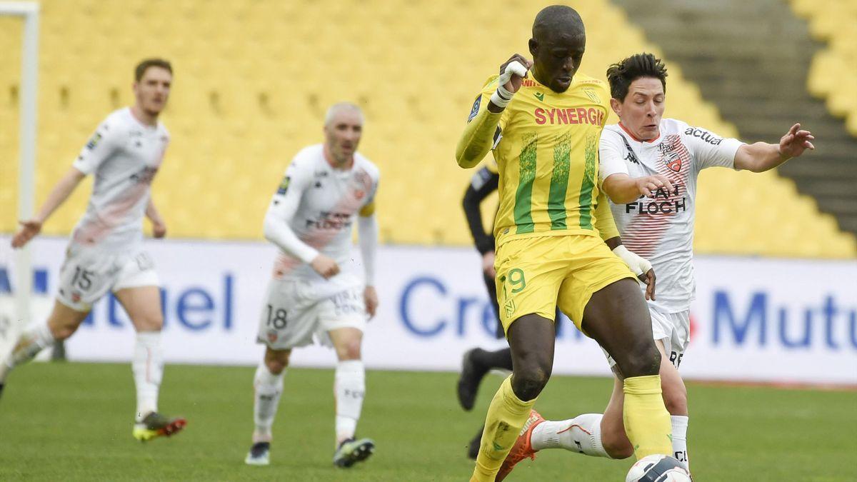 Abdoulaye Touré (Nantes) et Laurent Abergel (Lorient)