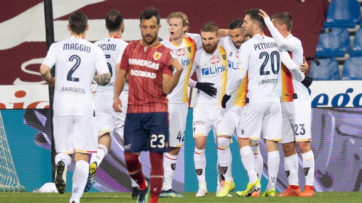 Reggiana-Lecce, Serie B 2020-2021: l'esultanza del Lecce dopo il gol del momentaneo 0-1 firmato (su calcio di rigore) Massimo Coda (Getty Images)