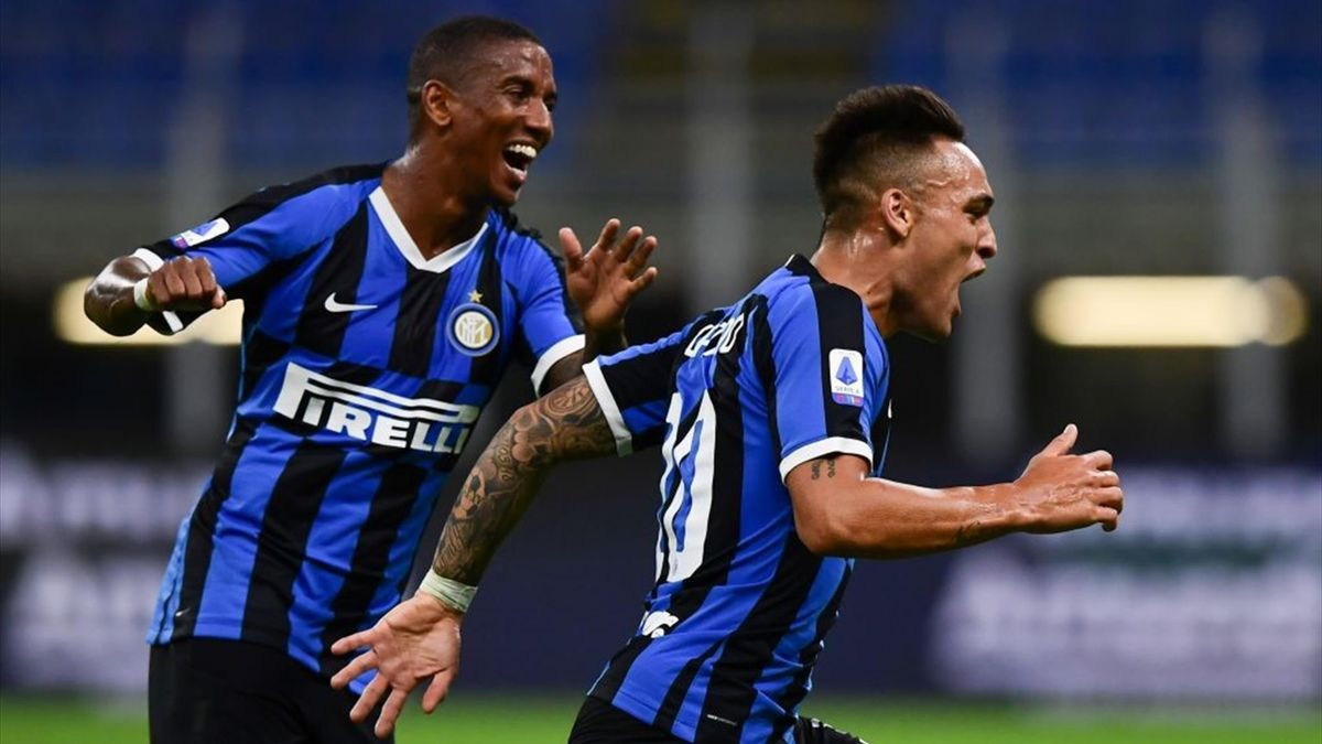 Lautaro Martinez, Ashley Young - Inter-Torino - Serie A 2019-2020 - Getty Images