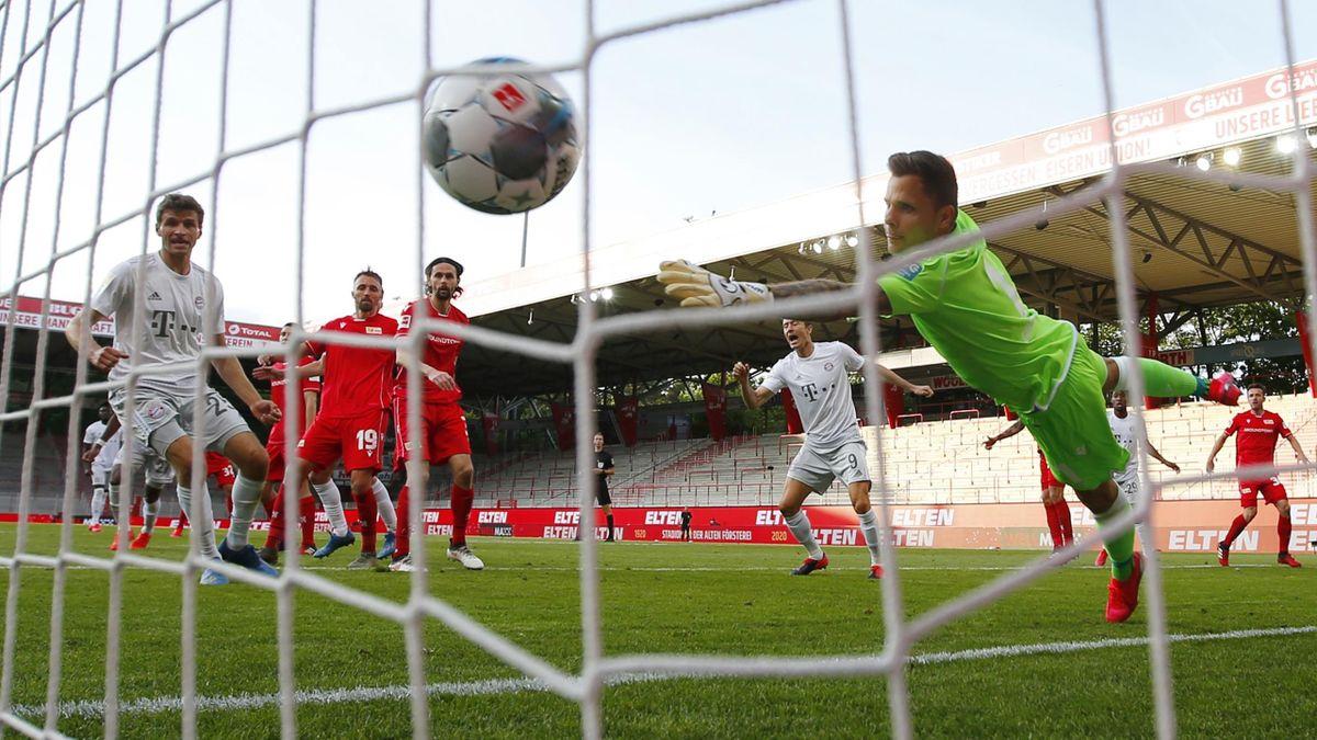 Benjamin Pavard de Bayern Munich marchează pentru 2-0 în partida de la Berlin cu Union