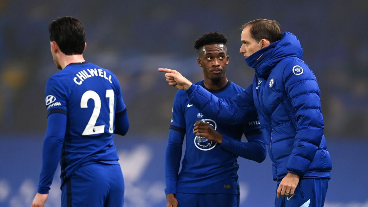 Thomas Tuchel, Manager of Chelsea chats with Callum Hudson-Odoi during the Premier League match between Chelsea and Wolverhampton Wanderers at Stamford Bridge on January 27, 2021 in London, England