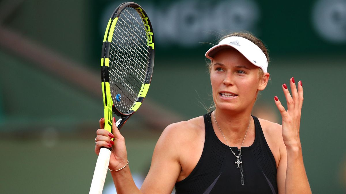 Caroline Wozniacki of Denmark shows her frustration during the ladies singles fourth round match against Daria Kasatkina of Russia during day eight of the 2018 French Open at Roland Garros on June 3, 2018 in Paris, France.