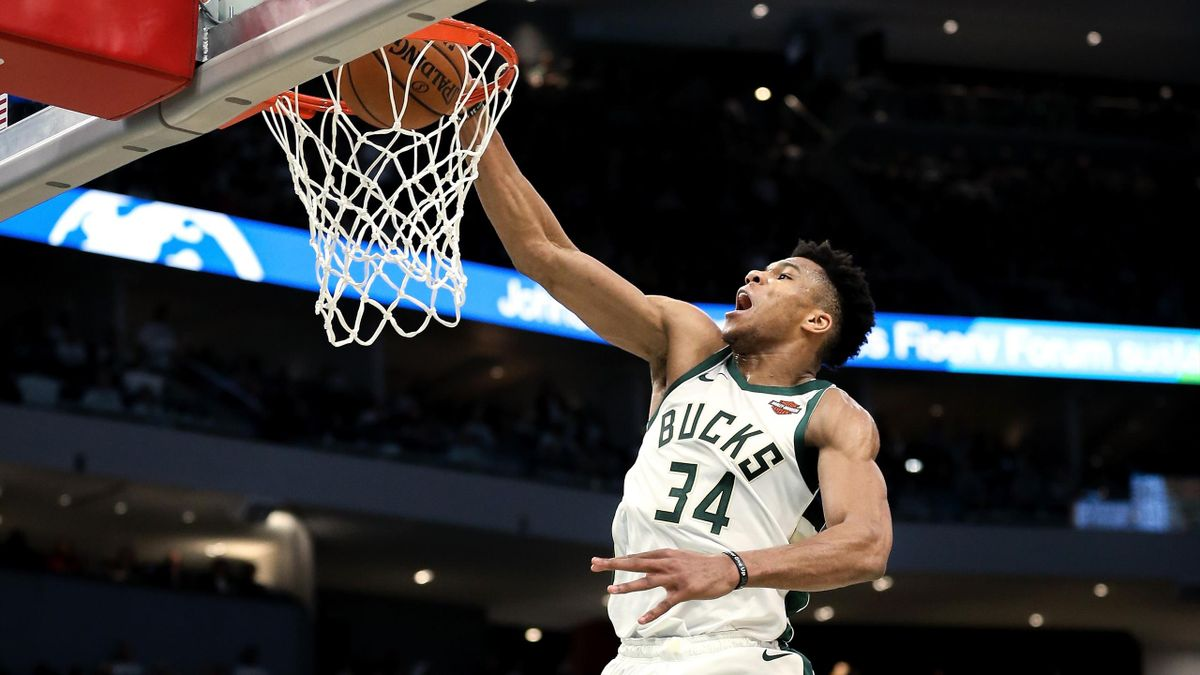 Dunk de Giannis Antetokounmpo (Bucks) face aux Celtics, le 28 avril 2019