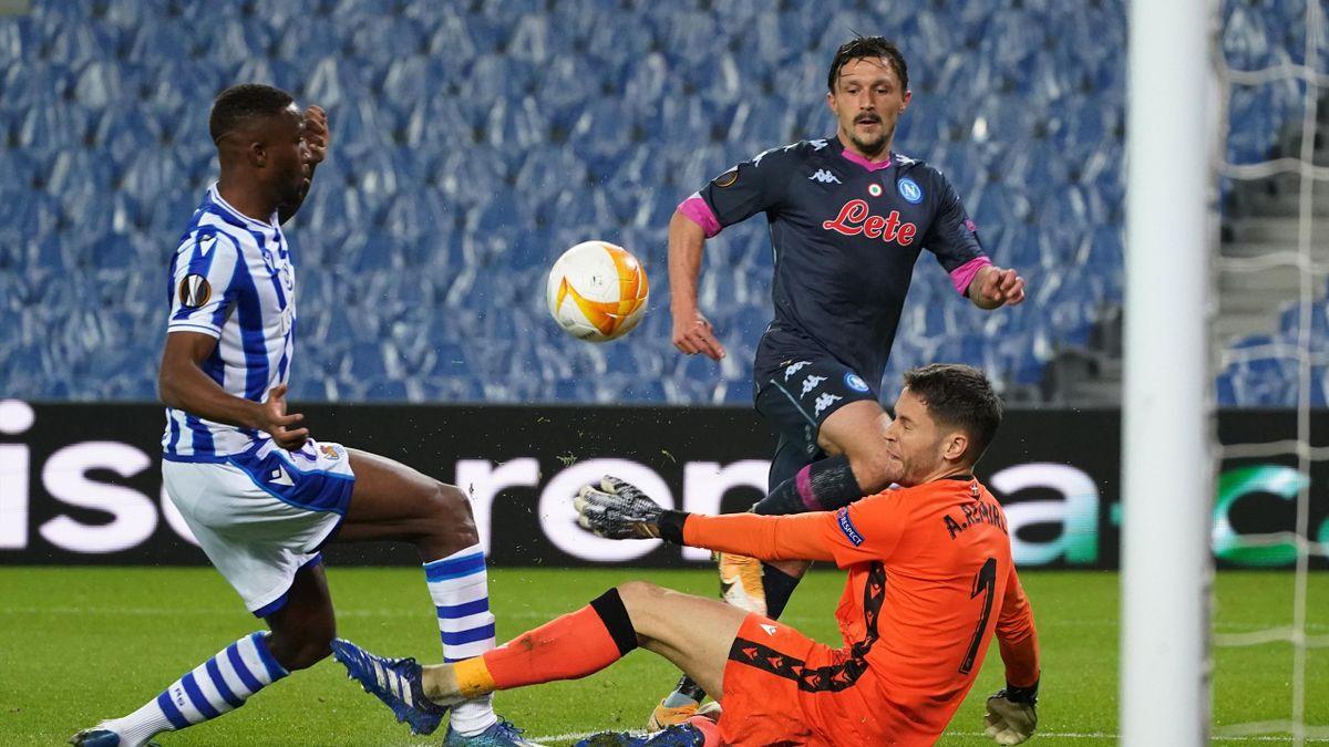 Real Sociedad-Napoli, Europa League 2020-2021: Mario Rui (Napoli) sfiora il gol al 13' (Getty Images)