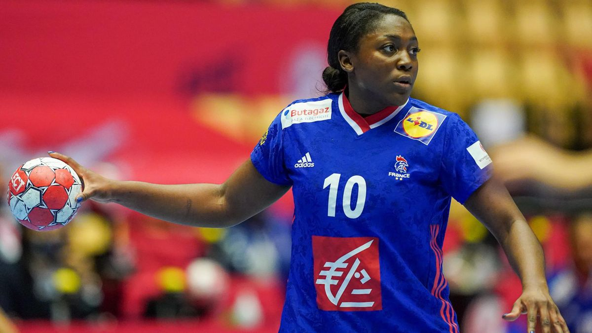 Grâce Zaadi lors de la demi-finale France-Croatie à l'Euro 2020 de handball féminin