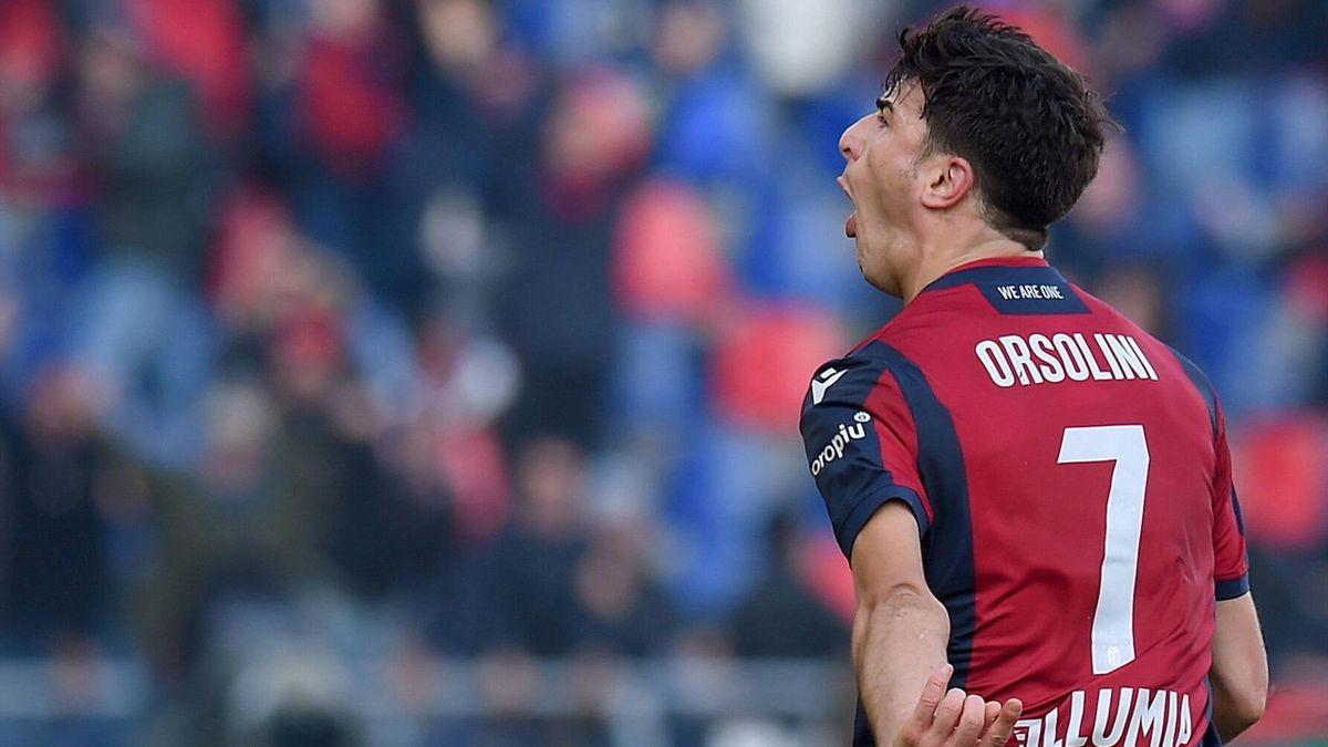 Riccardo Orsolini esulta senza freni per il gol in Bologna-Fiorentina