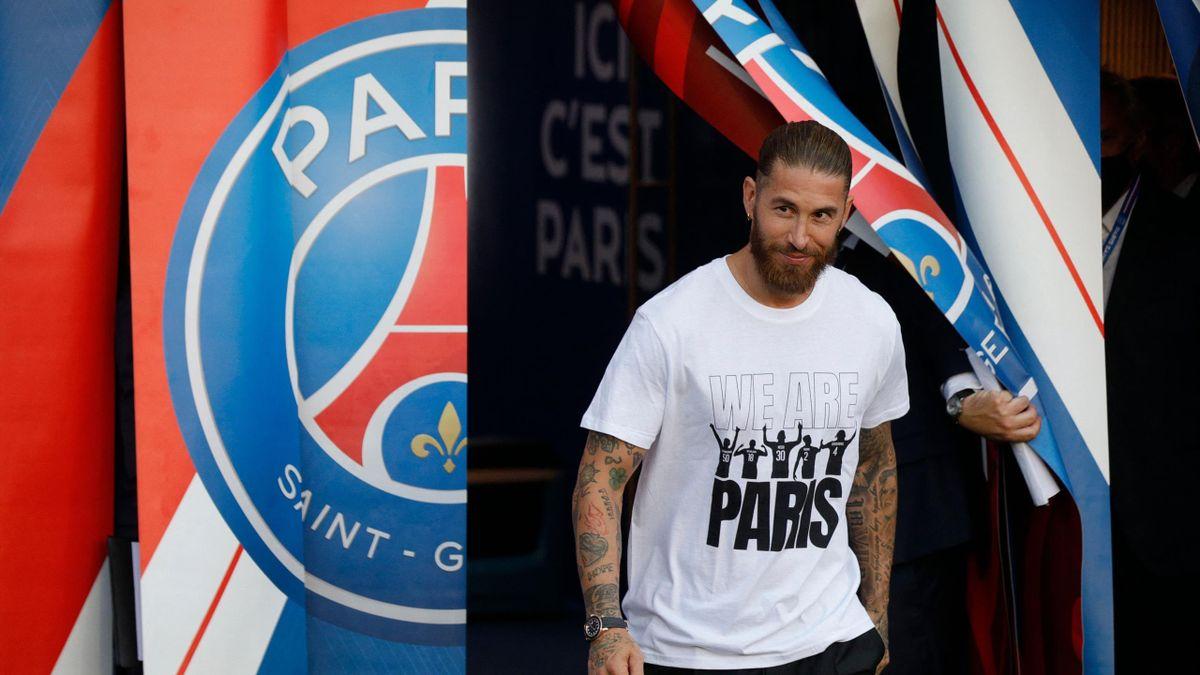Sergio Ramos présenté au Parc des Princes lors de PSG-Strasbourg.