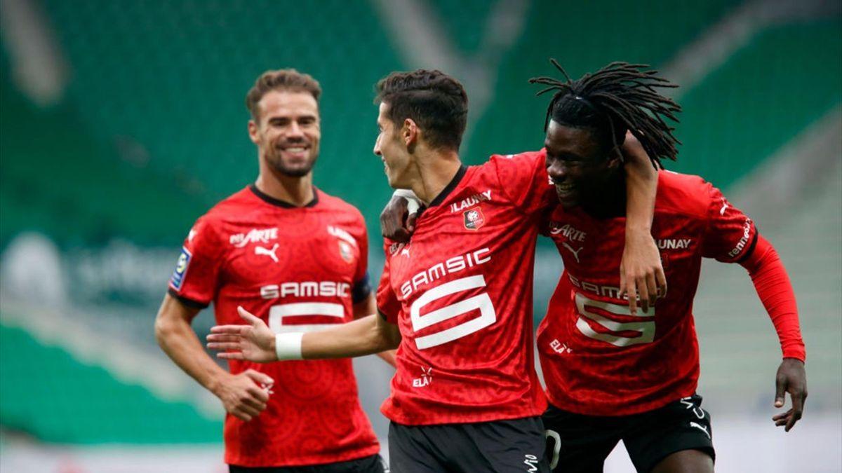 Nayef Aguerd fête son but avec Eduardo Camavinga lors de Saint-Etienne - Rennes / Ligue 1