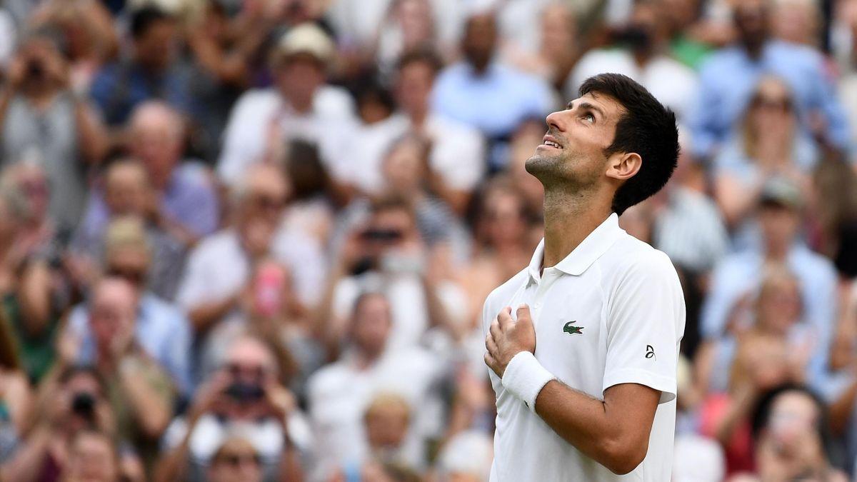 Novak Djokovic wint halve finale Wimbledon