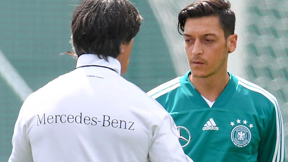 Joachim Löw und Mesut Özil bei der WM 2018