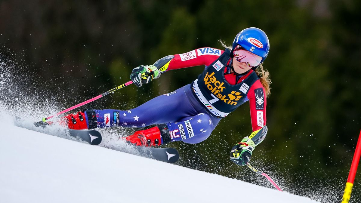 Mikaela Shiffrin of USA competes during the Audi FIS Alpine Ski World Cup Women's Giant Slalom on January 6, 2018