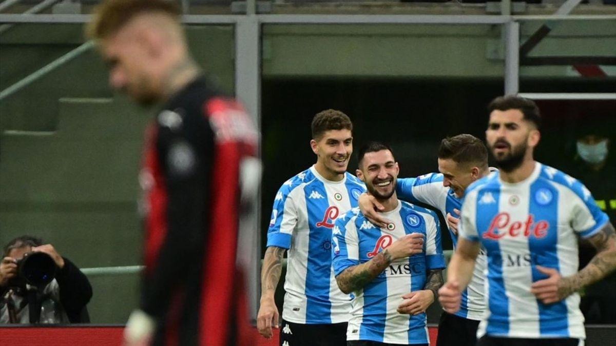 Der SSC Neapel jubelt über das Siegtor beim AC Mailand