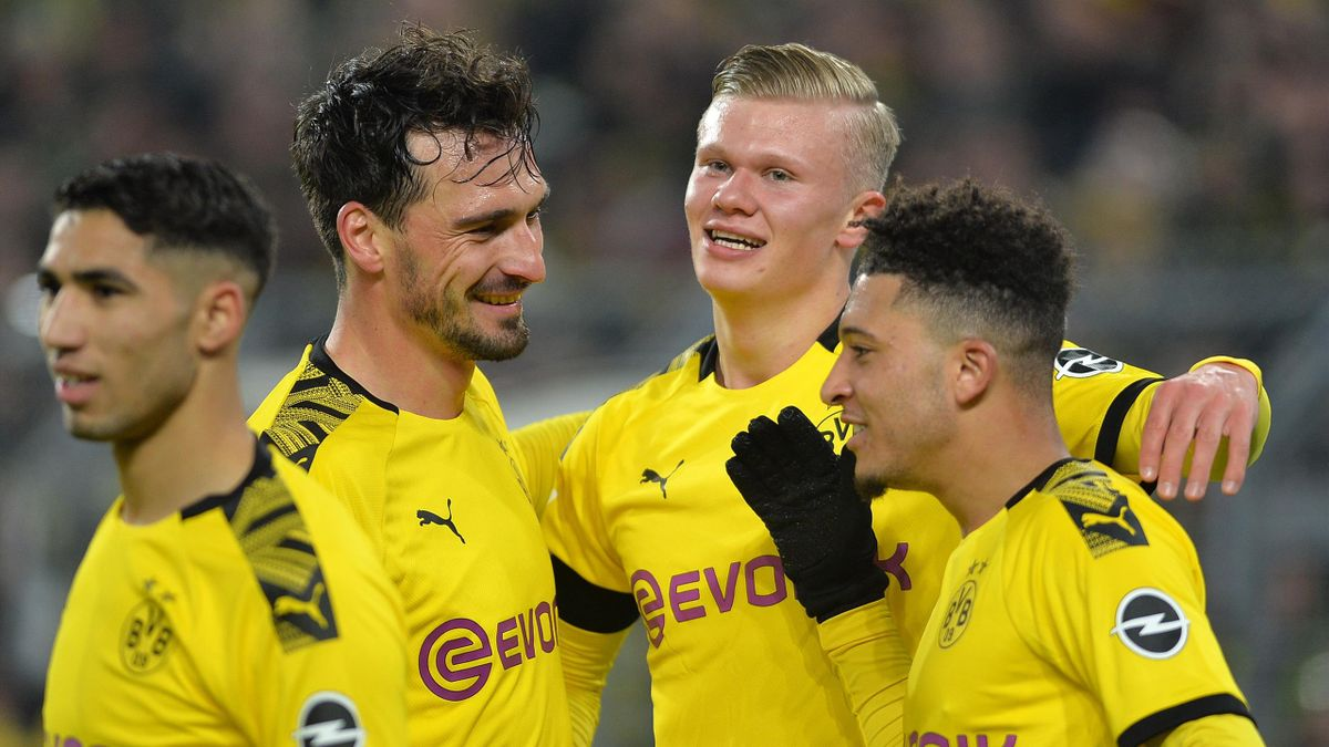 Jadon Sancho, Erling Haaland und Mats Hummels bejubeln ein BVB-Tor