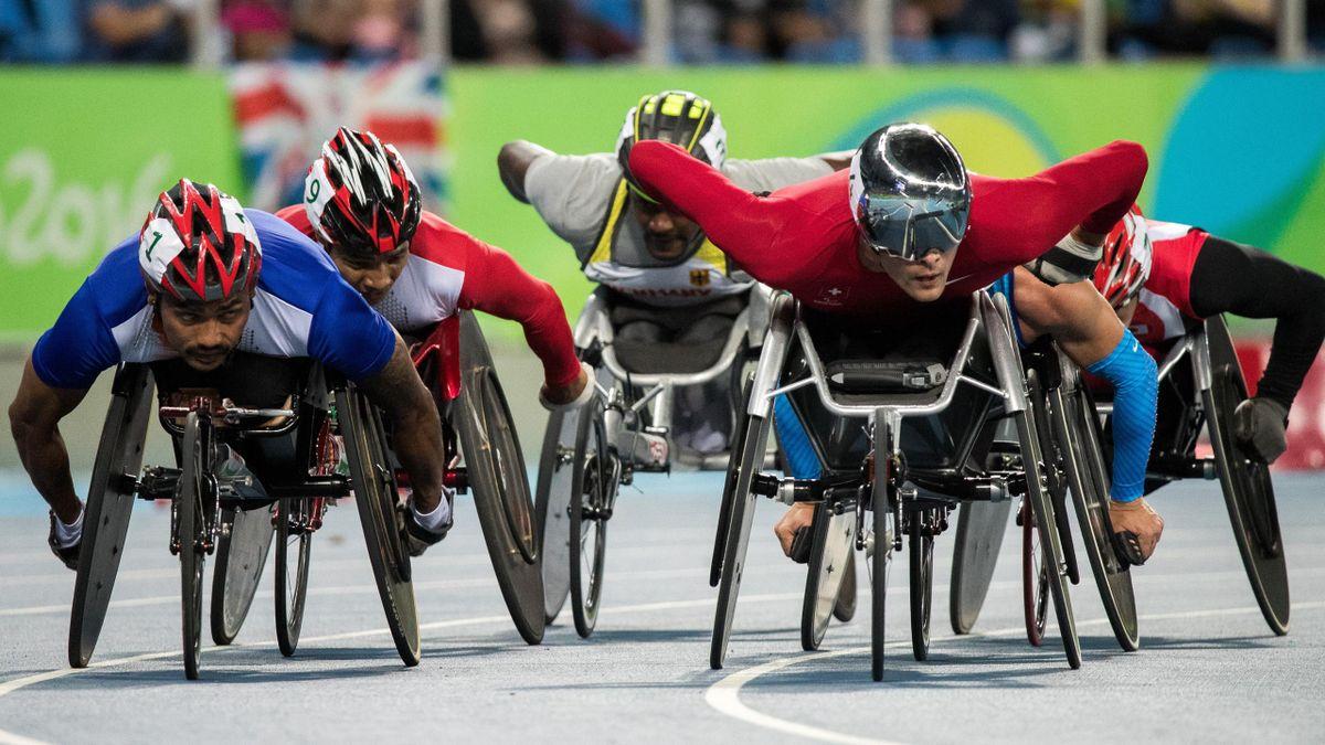 Le Suisse Marcel Hug lors du 5000m T54 en chaise roulante lors des Jeux Paralympiques de Rio 2016