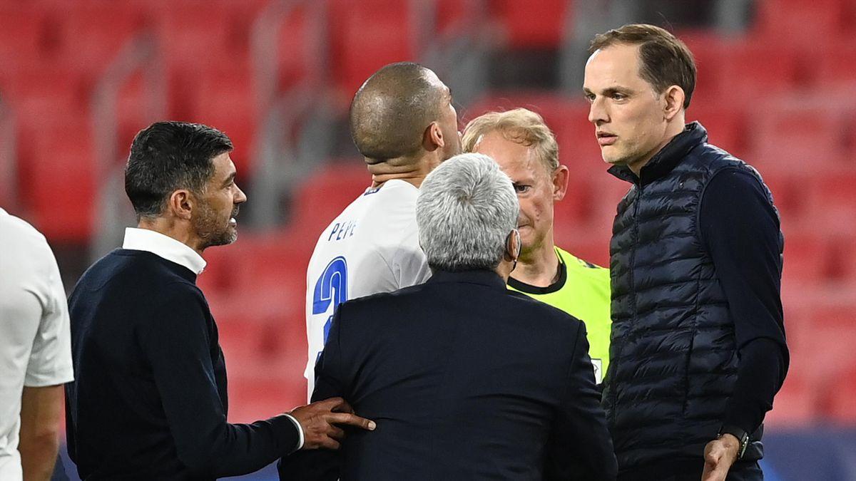 Chelsea-Teammanager Thomas Tuchel lieferte sich mit Portos Trainer Sérgio Conceição (l.) und Pepe (Mitte) ein Wortgefecht