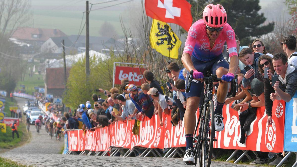 Giro delle Fiandre 2019: a 18 chilometri dal traguardo di Oudenaarde, Alberto Bettiol scatta sull'Oude Kwaremont vincendo la 103a edizione della Ronde van Vlaanderen
