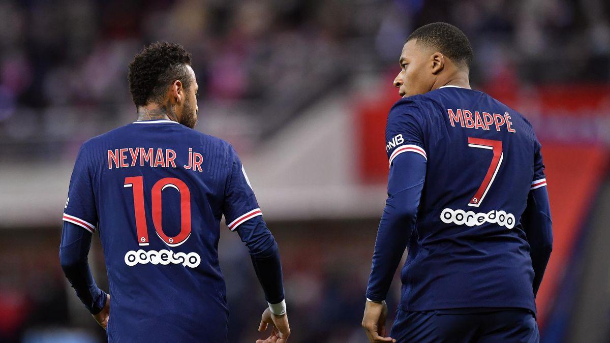 Neymar et Kylian Mbappé lors de Reims-PSG / Ligue 1