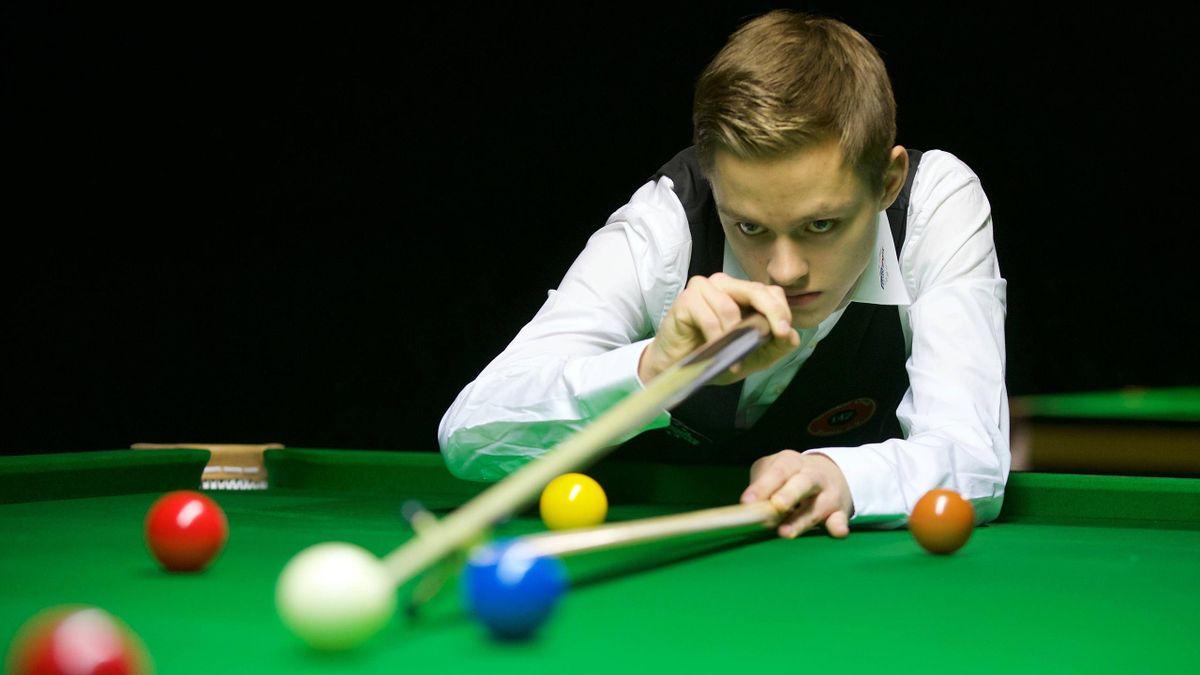 Lukas Kleckers gewann gegen Weltmeister Stuart Bingham