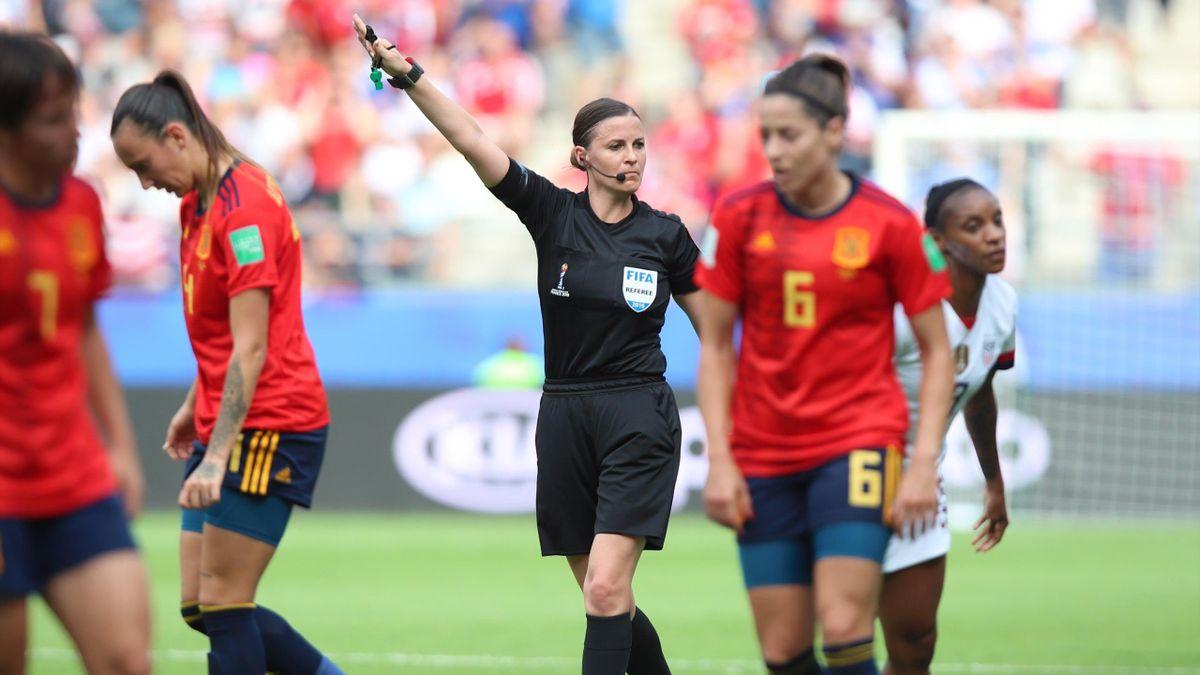 España, eliminada del Mundial femenino con polémica
