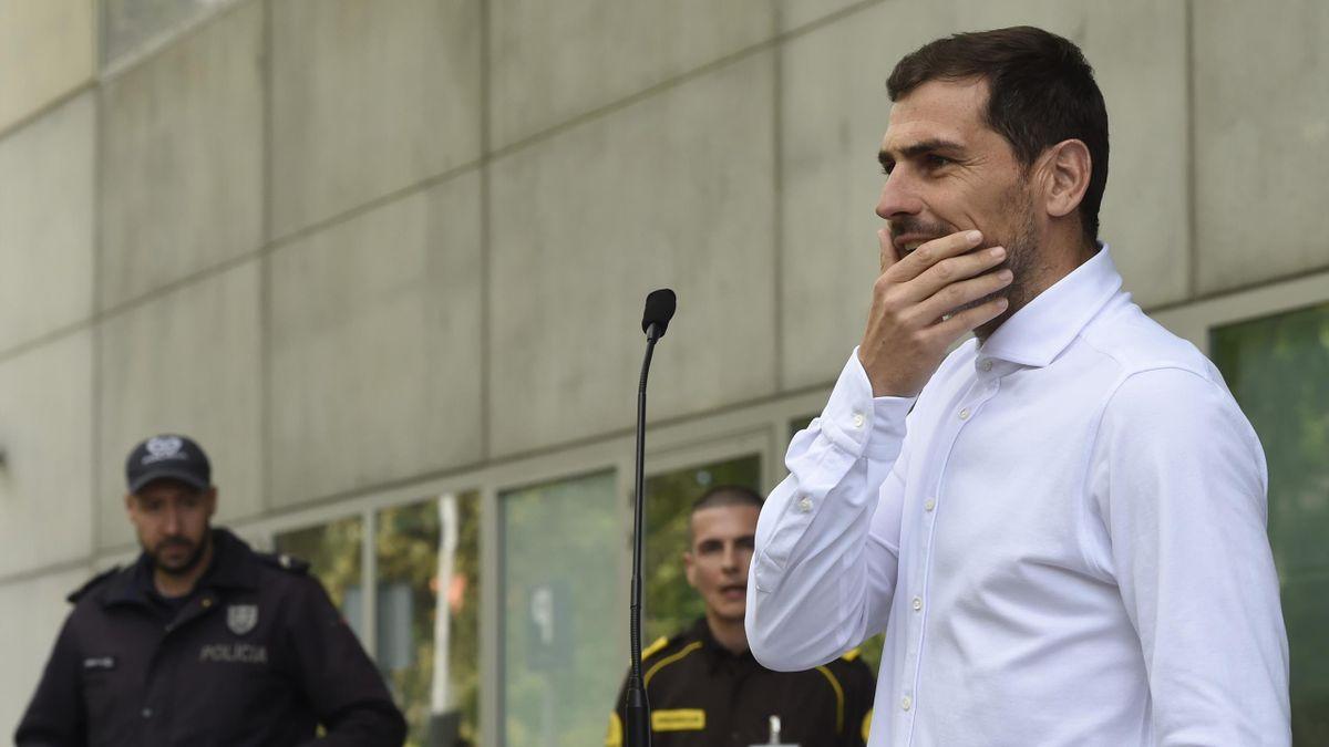 Iker Casillas lors de sa sortie de l'hôpital le lundi 6 mai 2019