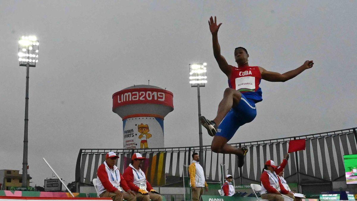Juan Miguel Echevarria lors du concours de saut en longueur des Jeux Panaméricains