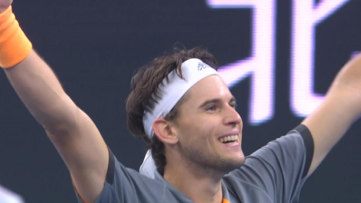 Dominic Thiem comes from behind to win against Stefanos Tsitsipas