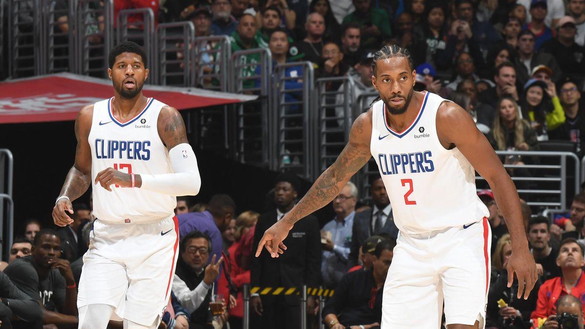 Paul George et Kawhi Leonard lors de Los Angeles Clippers - Boston Celtics en NBA le 21 novembre 2019