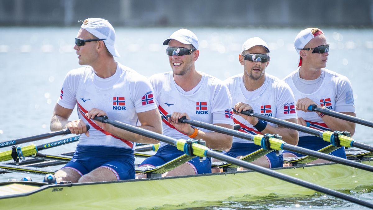 Norges dobbeltfirer under OL i Tokyo, bestående av Erik Solbakken, Oscar Helvig, Olaf Tufte og Martin Helseth (f.v).