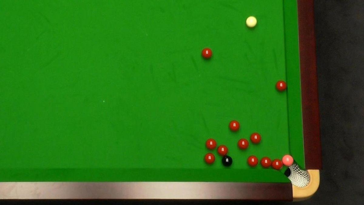 Balls congregate around pocket during Higgins v Gould