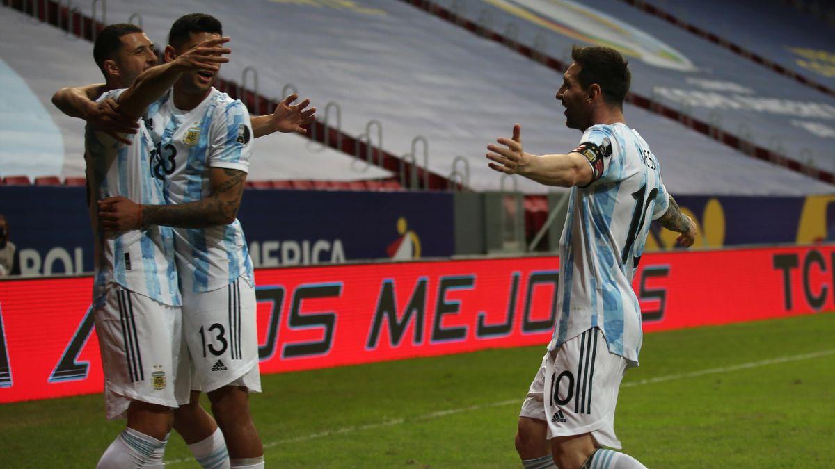 Guido Rodríguez, Cristian Romero y Leo Messi (Argentina)