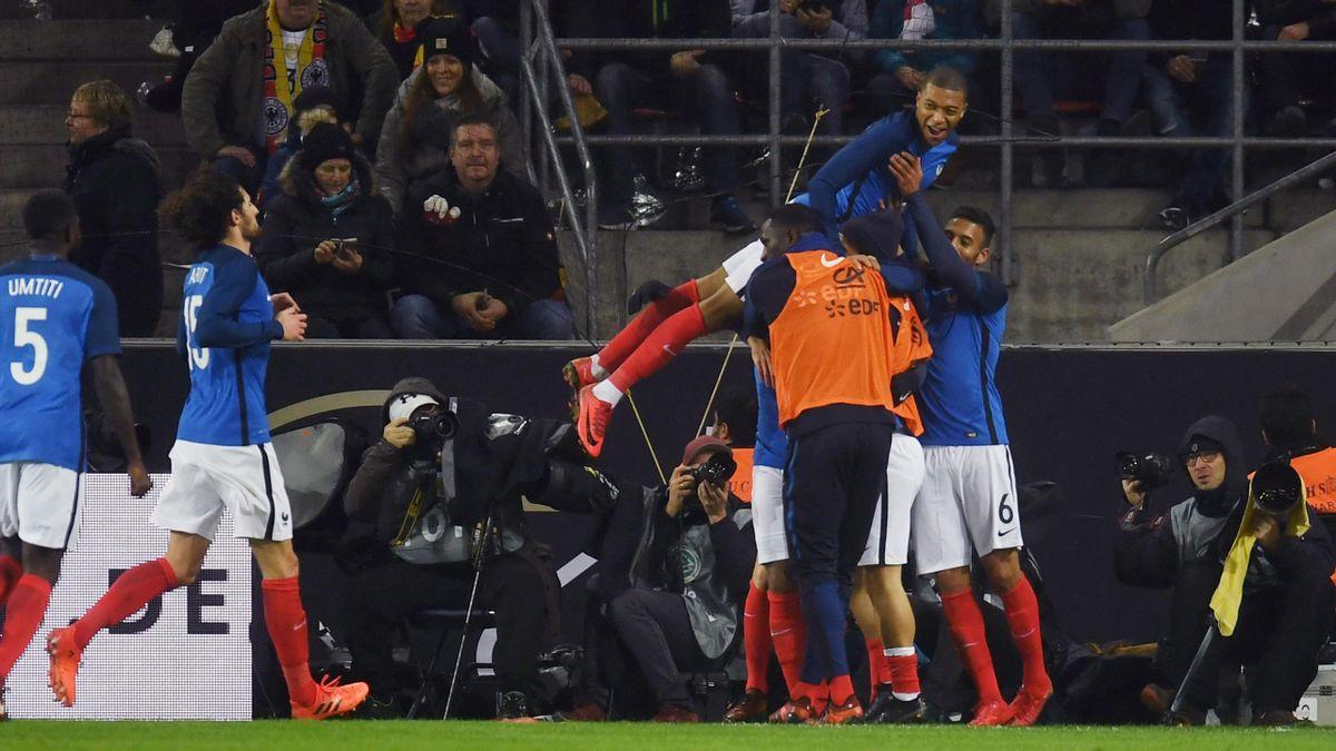 La joie des Français sur l'un des buts de Lacazette