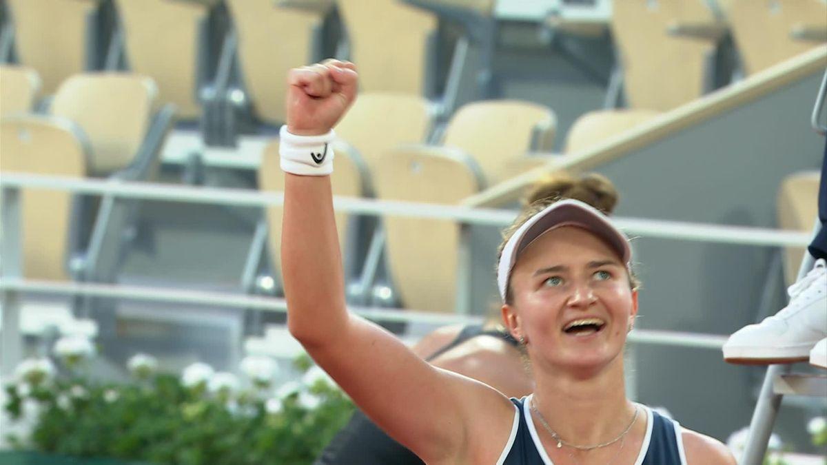 Meccslabdát hárítva nyert a Roland Garros elődöntőjében Krejčíková