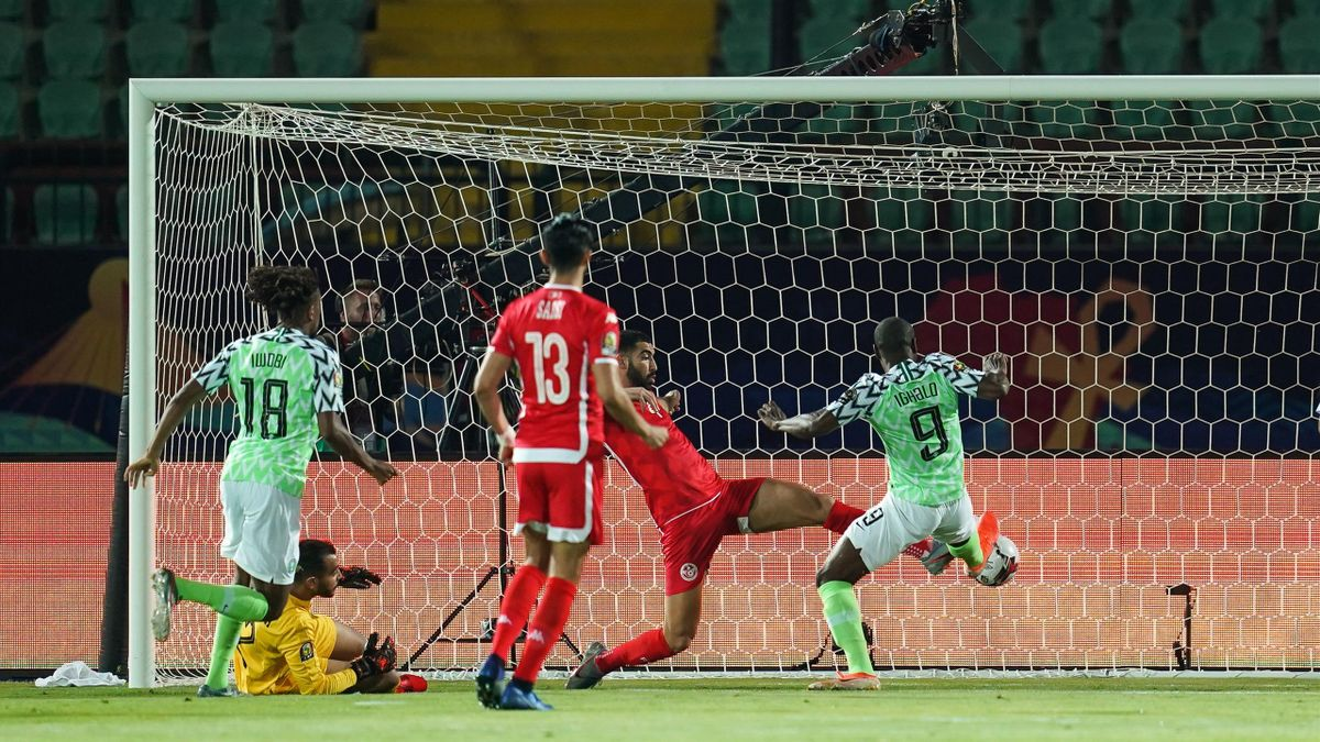 Odion Ighalo scores the winning goal at the Al Salam Stadium in Cairo
