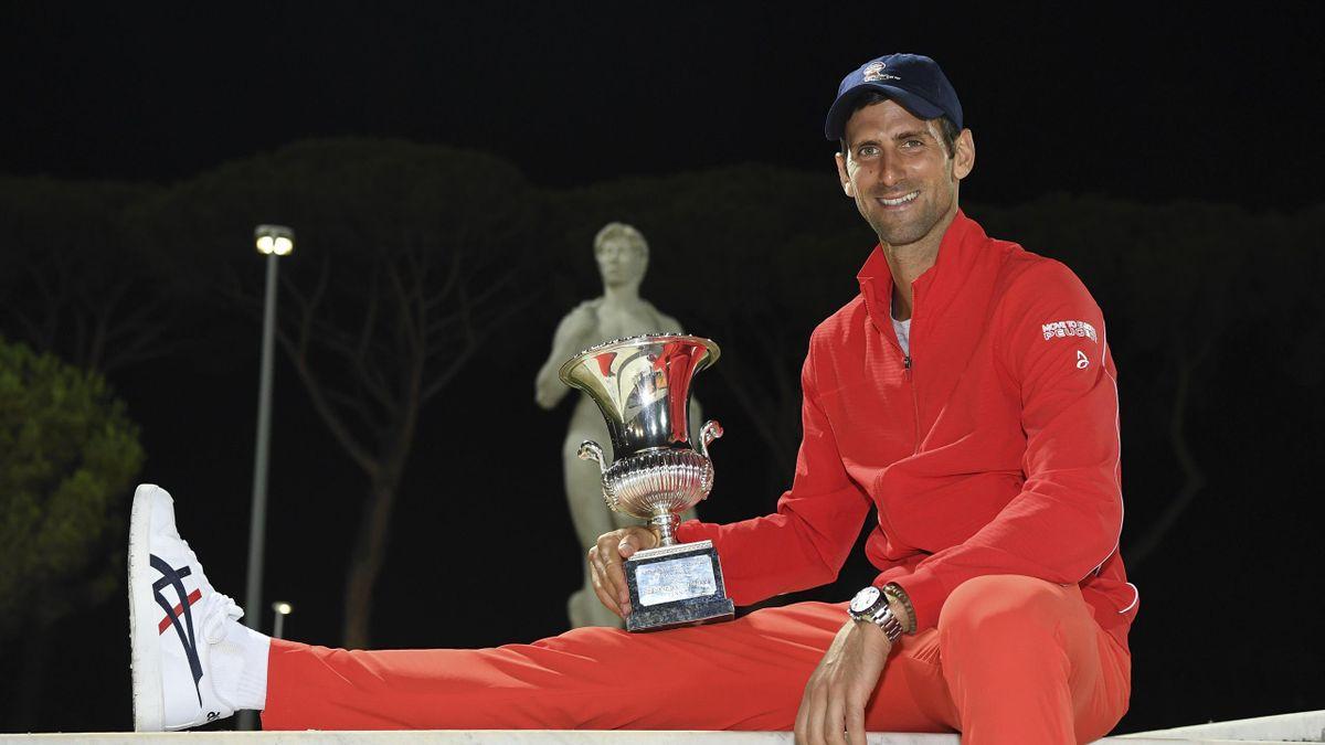 Rome Masters Novak Djokovic Simona Halep Split By 10 Euros In Prize Money Eurosport