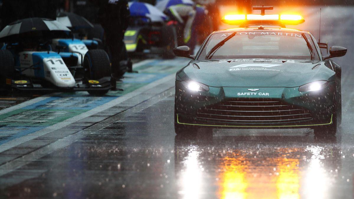 La pluie qui tombe abondemment sur le circuit de Sotchi va perturber le programme du Grand Prix de Russie