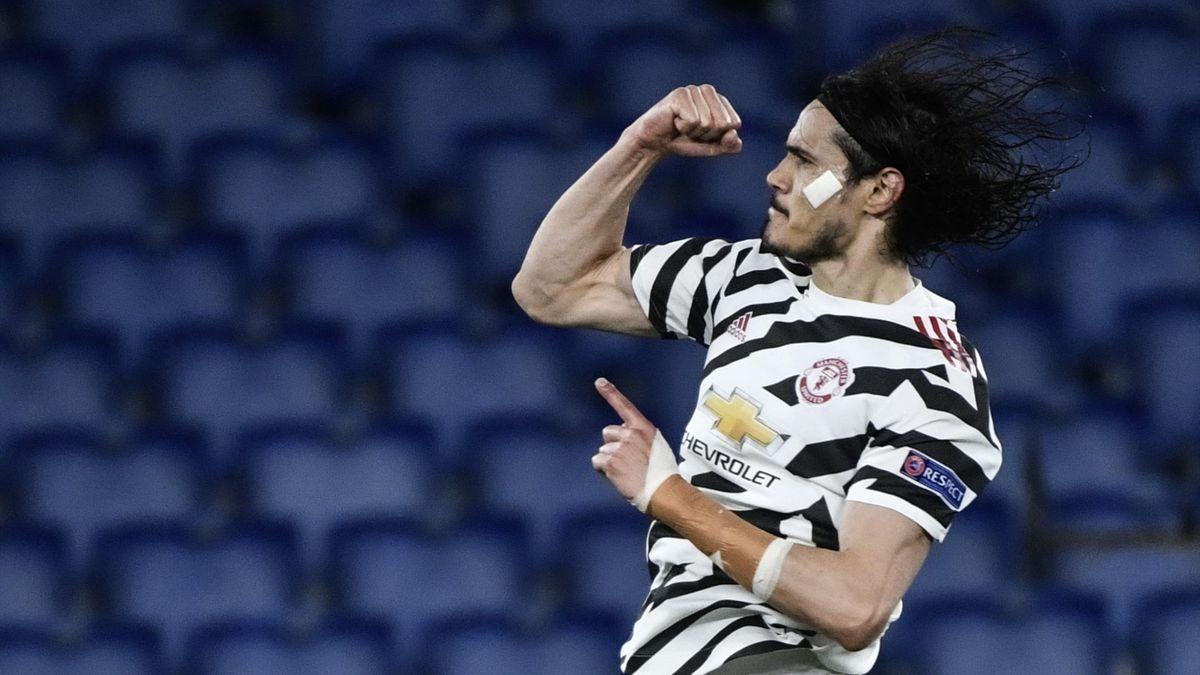 Edinson Cavani celebrando su gol ante la Roma