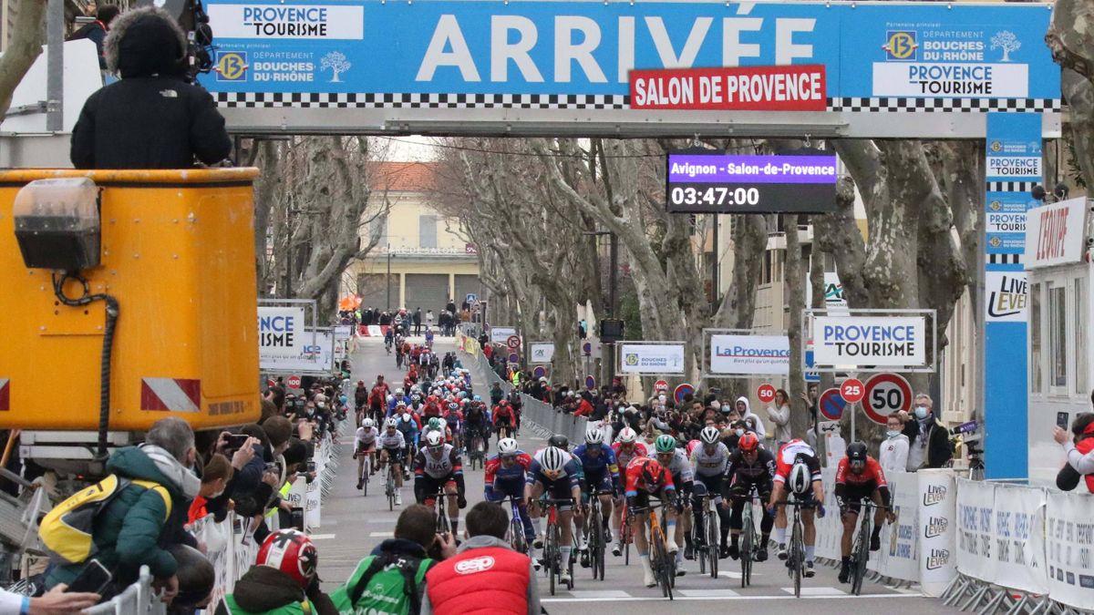 Phil Bauhaus, Davide Ballerini, Nacer Bouhanni - Tour de la Provence 2021, stage 4 - Imago pub not in FRAxNED