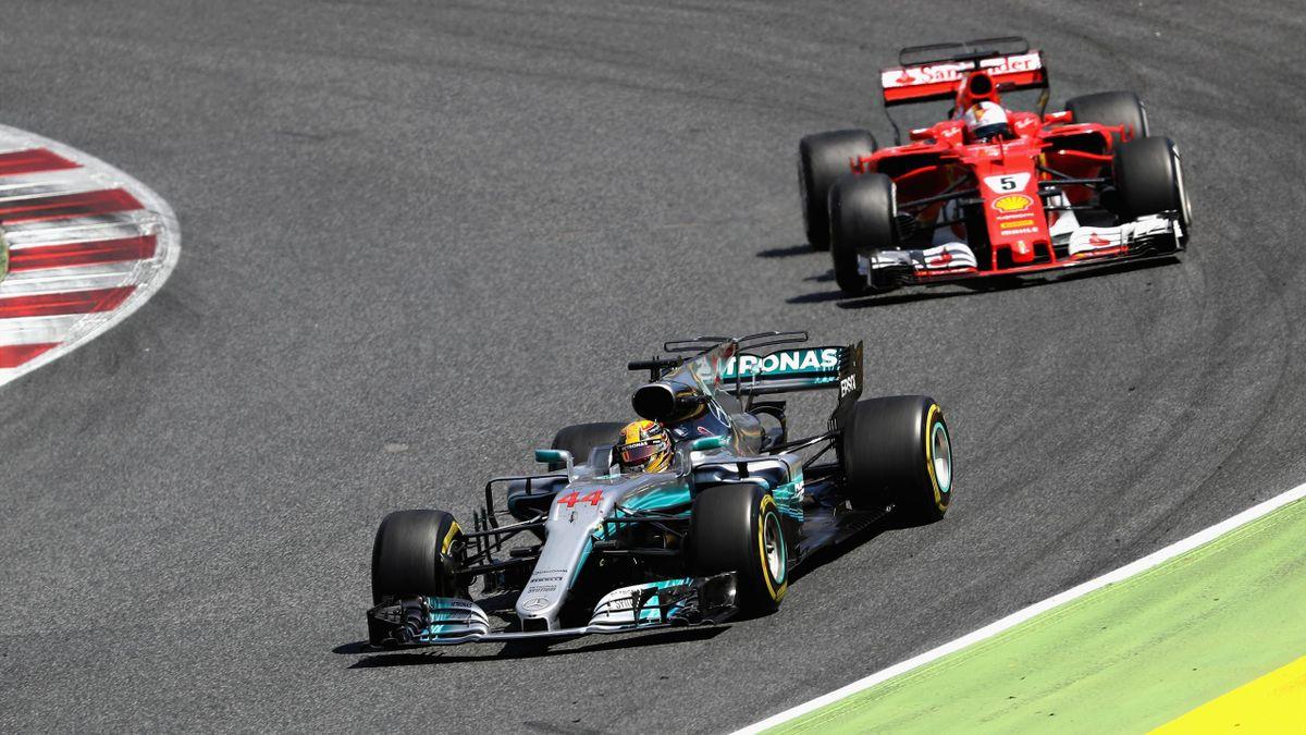 Lewis Hamilton y Sebastian Vettel en Montmeló