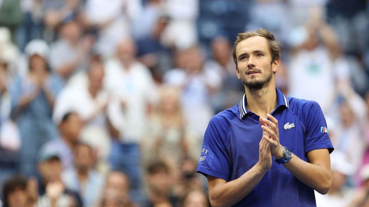 Medvedev eenvoudig naar finale US Open