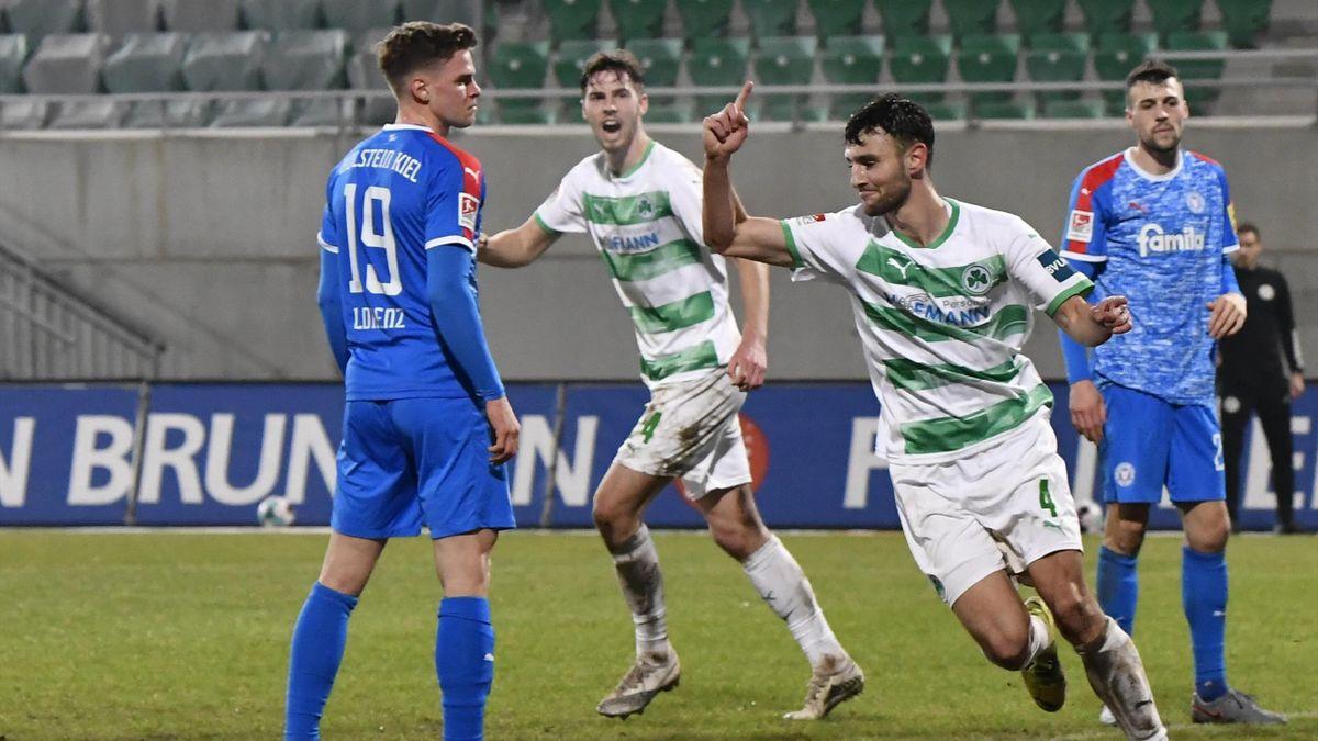 Greuther Fürth jubelt über den Heimsieg im Topspiel gegen Holstein Kiel