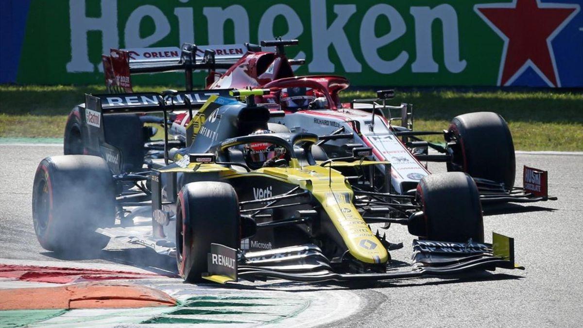 Esteban Ocon (Renault) et Kimi Räikkönen (Alfa Romeo) au Grand Prix d'Italie 2020