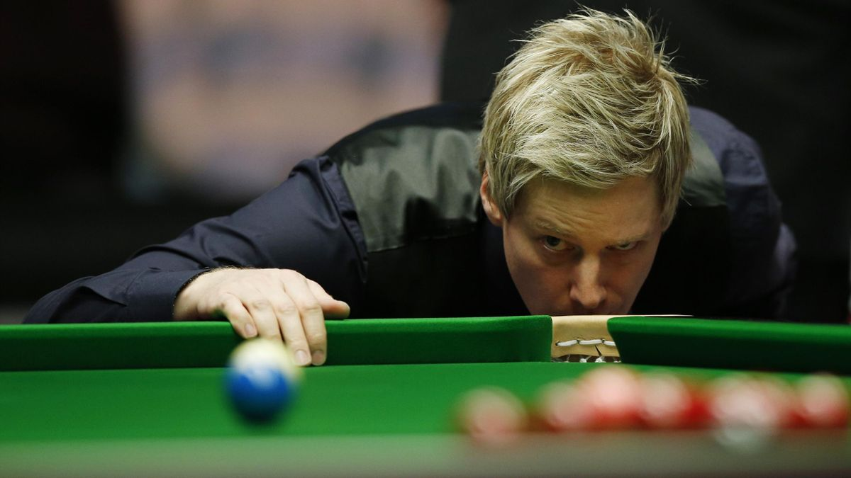 Neil Robertson completed a 6-0 win over Marco Fu at the Masters.