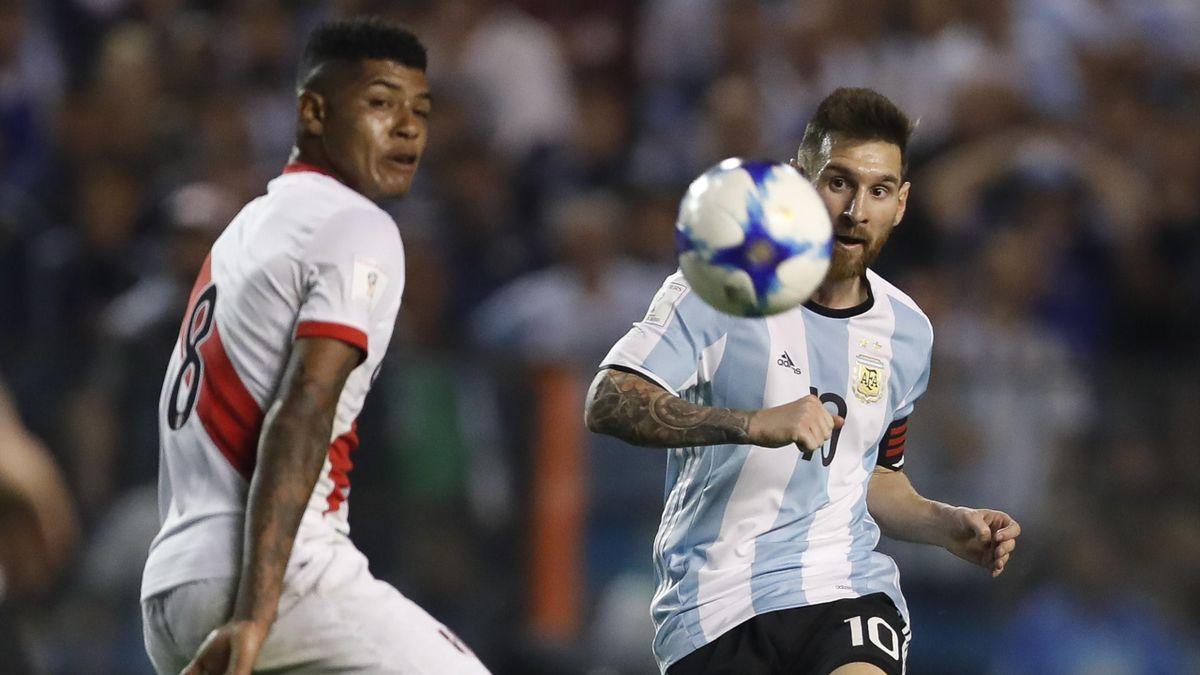 Leo Messi en el partido Argentina-Perú de clasificación para el Mundial de Rusia 2018