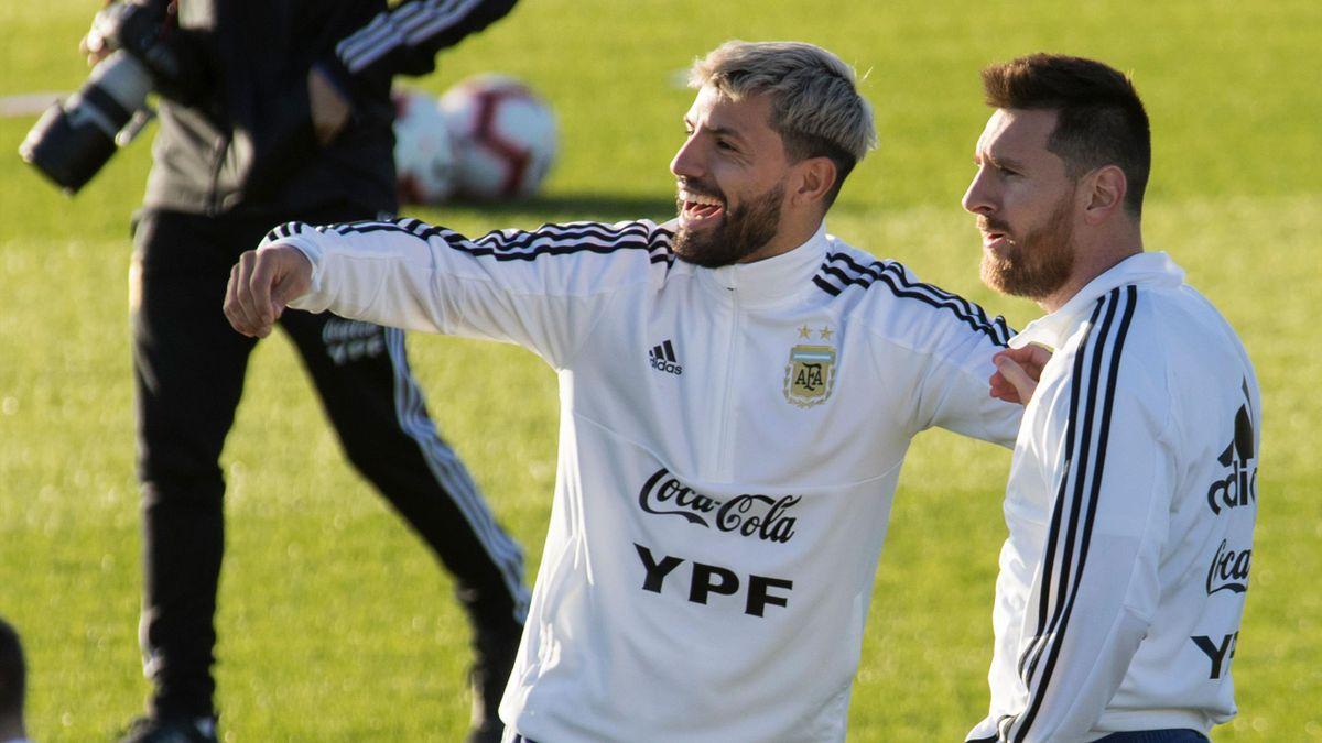 Sergio Agüero (l.) und Lionel Messi