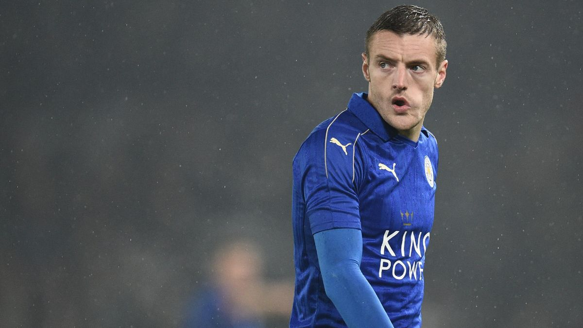 Leicester City's English striker Jamie Vardy reacts during the English FA Cup fourth round football match between Derby County and Leicester City at Pride Park Stadium in Derby, central England on January 27, 2017.