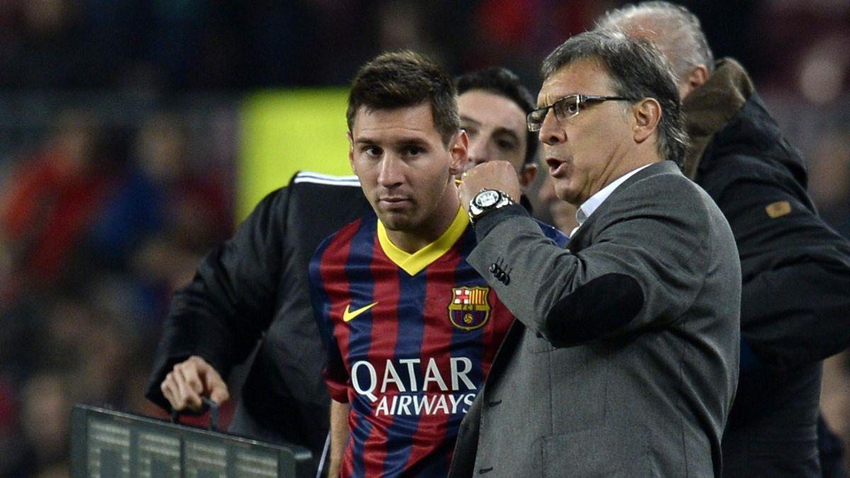 Tata Martino, l'entraîneur du Barça, donne ses consignes à Lionel Messi, Liga 2013-2014