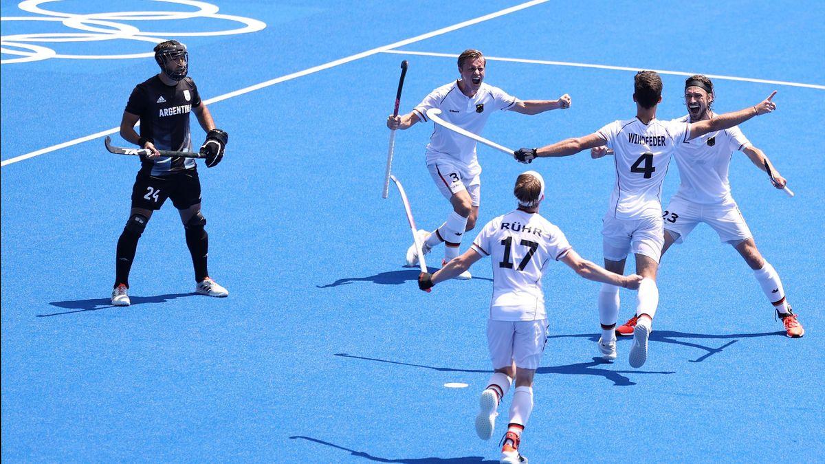Hockey-Männer stehen im Halbfinale