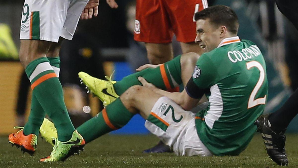 Seamus Coleman pådro seg brudd i begge beina i kampen mot Wales.