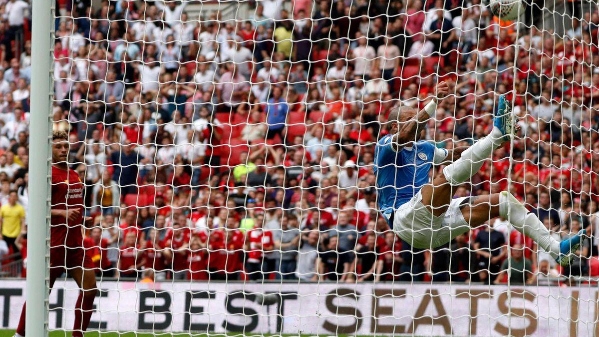 Kyle Walker sauve un but de Salah à la 92e minute lors du Community Shield entre Liverpool et Manchester City