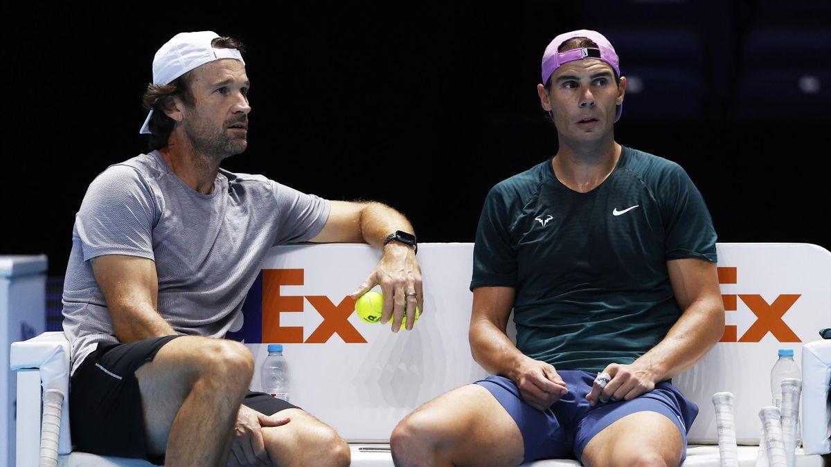 Rafael Nadal (r.) muss bei den Australian Open auf seinen Trainer Carlos Moya (l.) verzichten